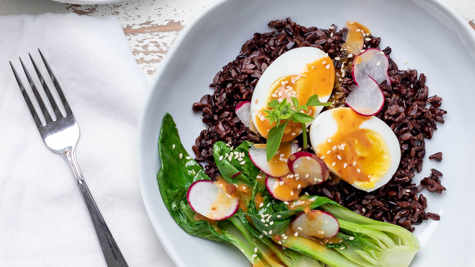 Black rice with eggs and veggies