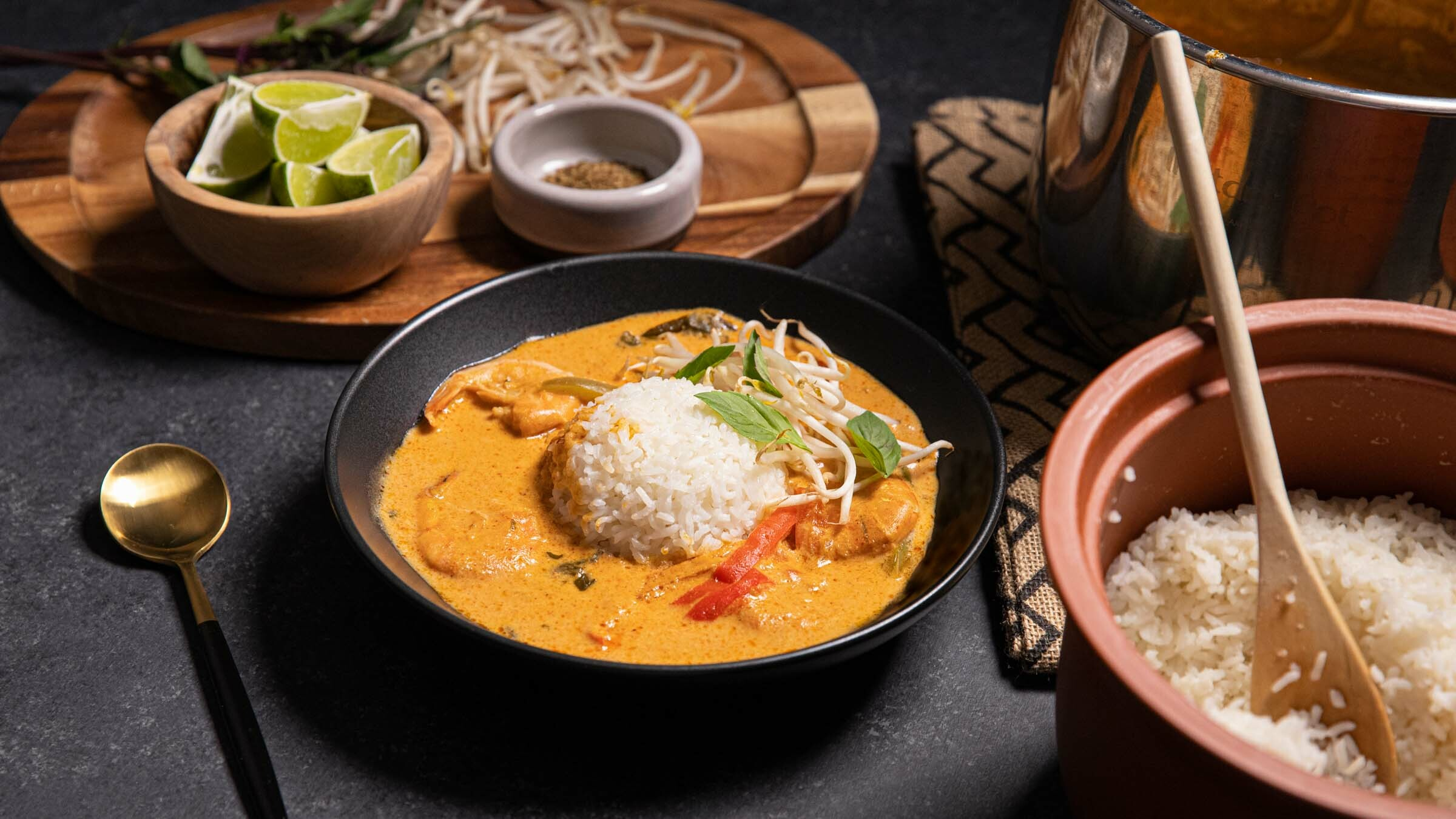 Weeknight Curry with White Jasmine Rice