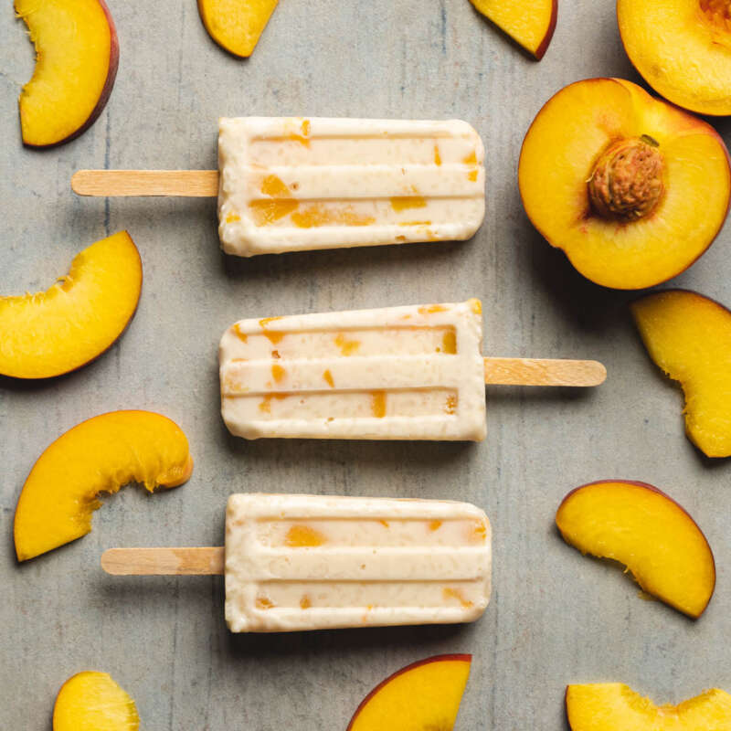 Peaches and Cream Rice Pudding Pops